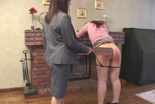 家庭訪問した女教師にハードなスパンキングをされる