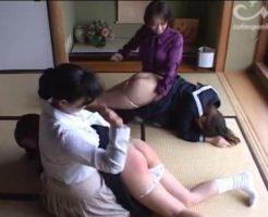 二人の女子校生が遅刻が続いていると母親たちににお仕置きをされる